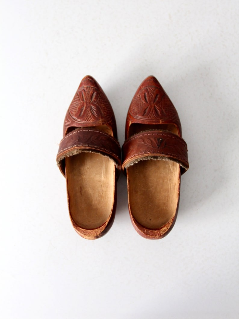vintage kid/'s folk art wooden clogs with leather