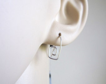 PAPERCLIP earrings in yellow gold, rose gold filled or solid sterling silver wire, modern, everyday earrings
