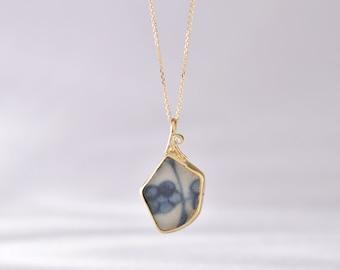 shipwreck treasure ming porcelain and diamond pendant 18 carat gold