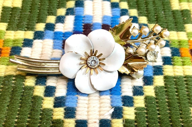 Vintage Coro Brooch Mid-Century Jewelry Signed White Enamel Flower Pin with Rhinestones and Faux Pearls