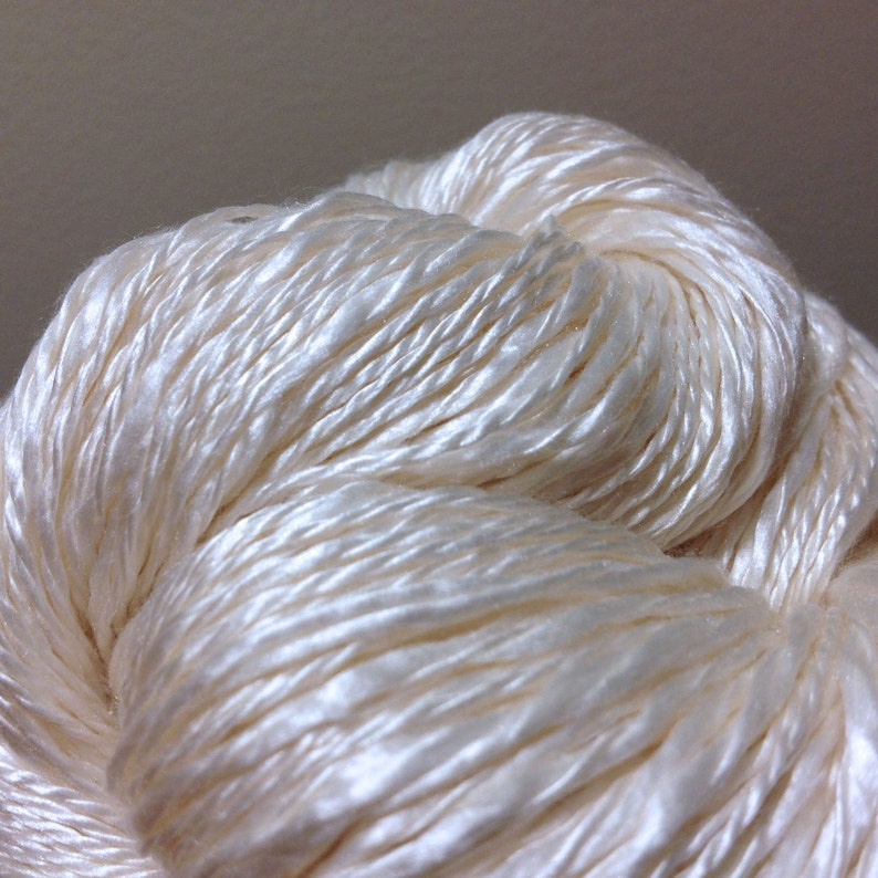 Knitting Silk Two Ply Thick /& Thin Yarn Dyeing Weaving Crochet Japan