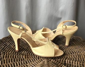 1950s Buttercream Yellow Strappy Slingback Heels / Vintage High Heel Sandals / 6.5, 6 1/2