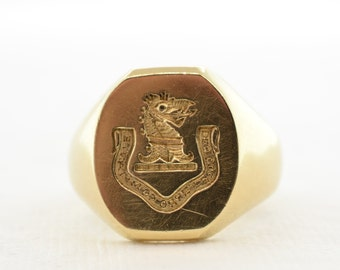 British Men's Coat of Arms Signet Ring