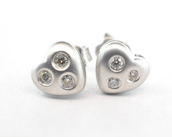 18K White Gold Diamond Heart Stud Earrings