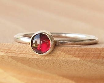 January Birthstone ring - Garnet Solitaire Stacking Ring - Sterling Silver Garnet Ring - Garnet Jewellery - Garnet Cabochon Ring