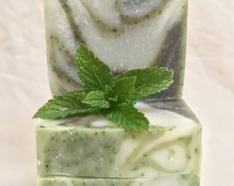 Peppermint Swirl - Cold process plant based natural peppermint scented soap.