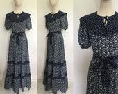 Vintage prairie dress, size 8 1970s floral maxi