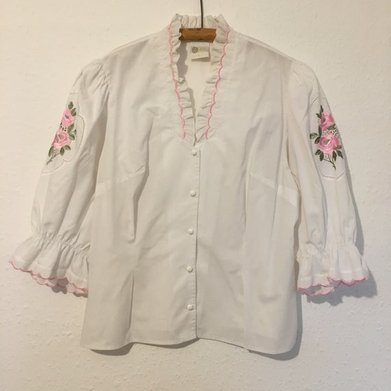 Size 20 1980s Folk blouse.