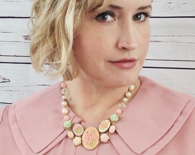 Gladiolus Flower Bridal Pearl Necklace - Mint Peach Coral Pink Floral Cameo Bib - Modern Victorian by SPDJewelry