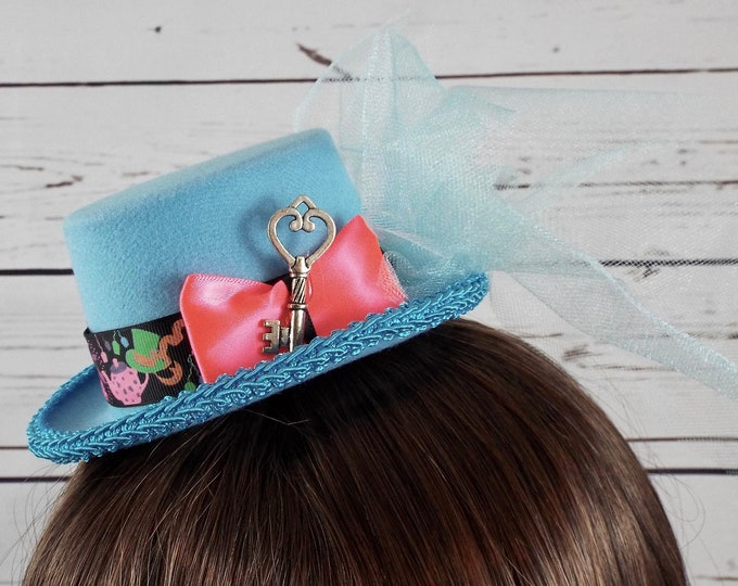 Alice in Wonderland Fascinator Mini Top Hat - Light Blue Halloween 1st Birthday Costume - Whimsical Millinery Tulle Ribbon Crown Cosplay