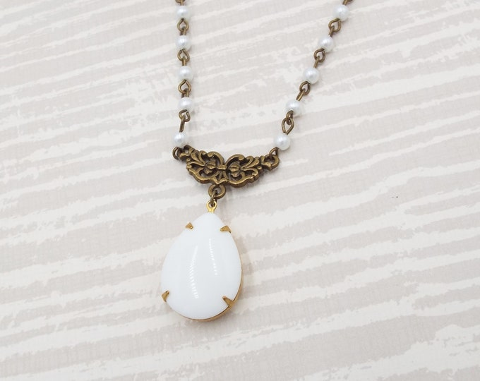 White Teardrop Dangle Glass Pearl Necklace - Vintage Inspired