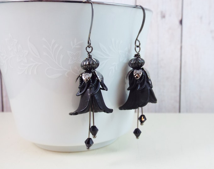 Gothic Victorian Tulip Flower Double Stamen Earrings
