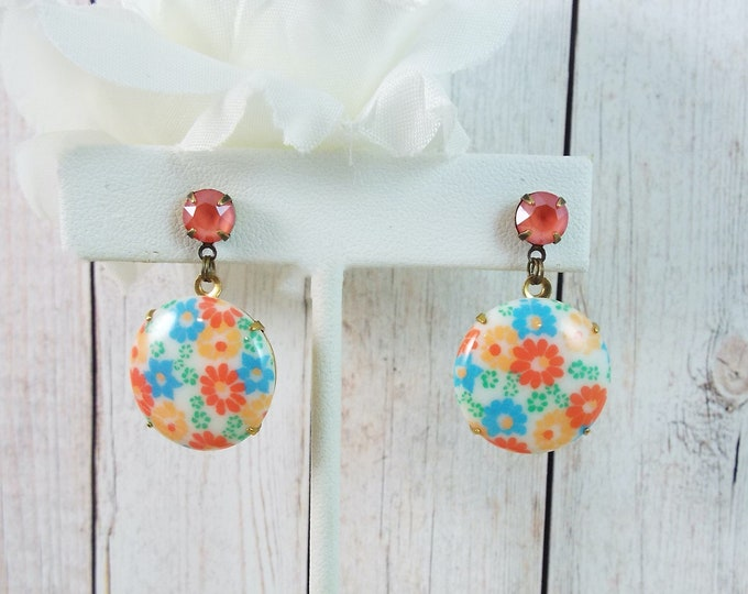 Coral Peach Orange Groovy Aqua Flower Milk Glass Gold Earrings - Modern Vintage Jewelry