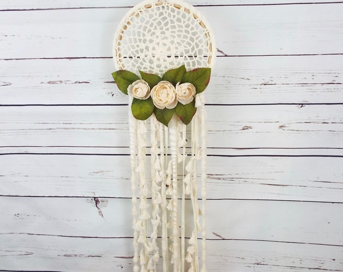 Ivory Dream Catcher Wall Hanging, Floral Wall Hanging, Flower Wall Art, Humane Wool, Modern Wall hanging, Nursery Decor, Velvet Vintage Tea