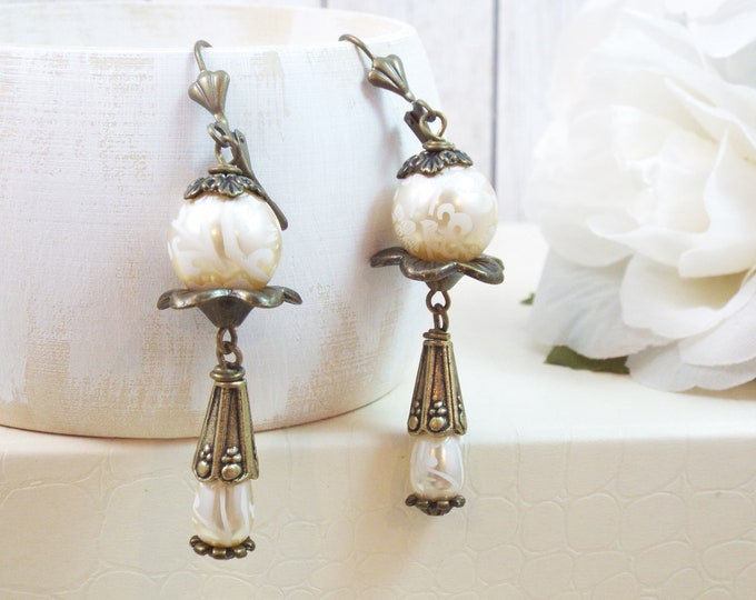 Victorian Bridal Etched Pearl Drop Earrings - Wedding Jewelry - Vintage Sparkle - Something Old