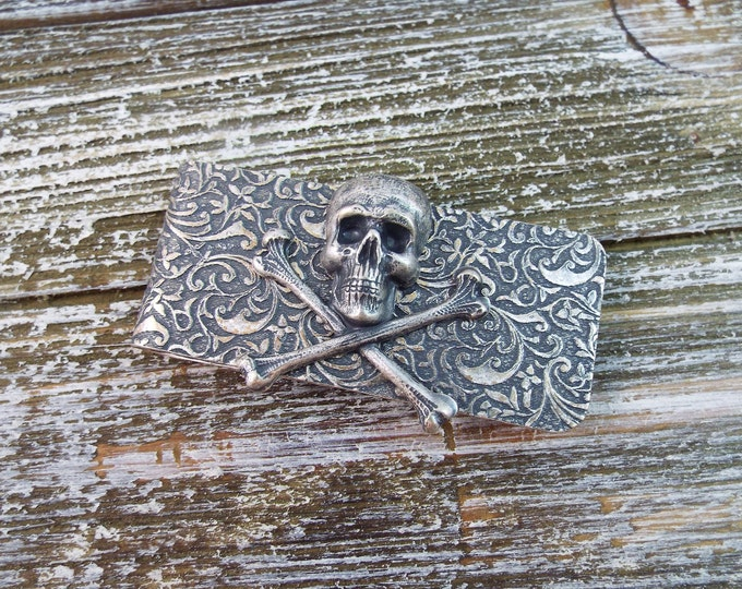 Antique Silver Skull Embossed Money Clip - Men's Accessorries by Split Personality