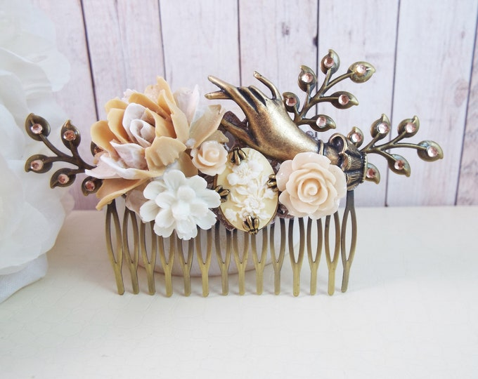 Victorian Hand Flower Large Bridal Hair Comb, Beige White Flower Garden, Nature Wedding - Vintage Hair Accessory