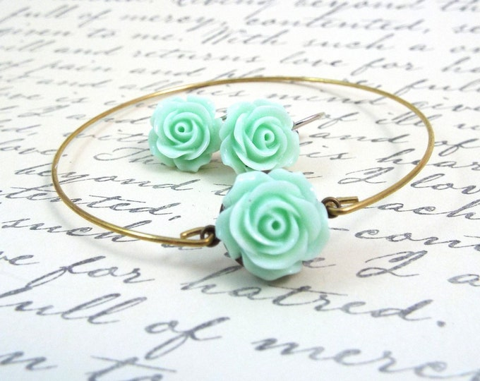 Mint Peppermint Green Bridesmaids Jewelry Set - Earrings & Bangle Bracelet