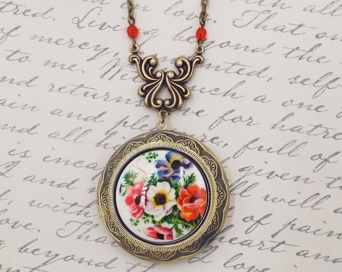Victorian Red Poppies Anemones Locket - Large Round Brass Picture Pendant - Layering Necklace Gift for Wife Mom Mother Daughter Girlfriend