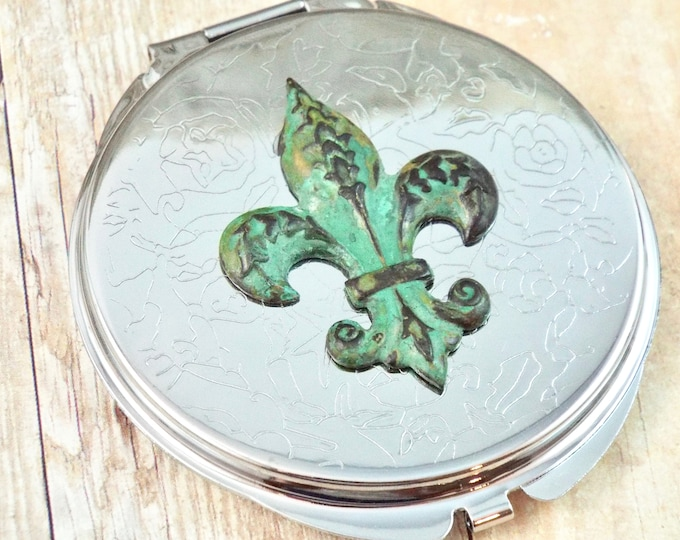 Silver Damask Etched Verdigris Fleur Di Lis Purse Mirror Compact - Paris - Accessorries by Split Personality