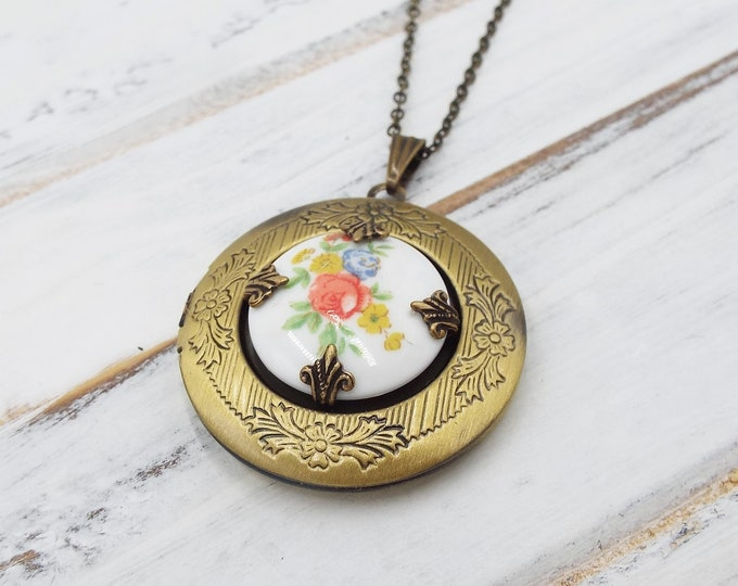Coral Flower Locket Round Brass Picture Pendant Layering Necklace