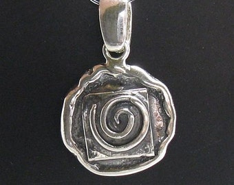 PE000687 Sterling silver pendant  solid 925 Spiral handmade