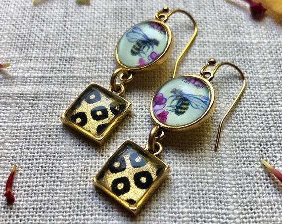 Bee earrings-honey bee gift for her-honey bee jewelry-honey bee art-bee lover earrings-bee jewelry gift for wife-bee gift for her-gold bee