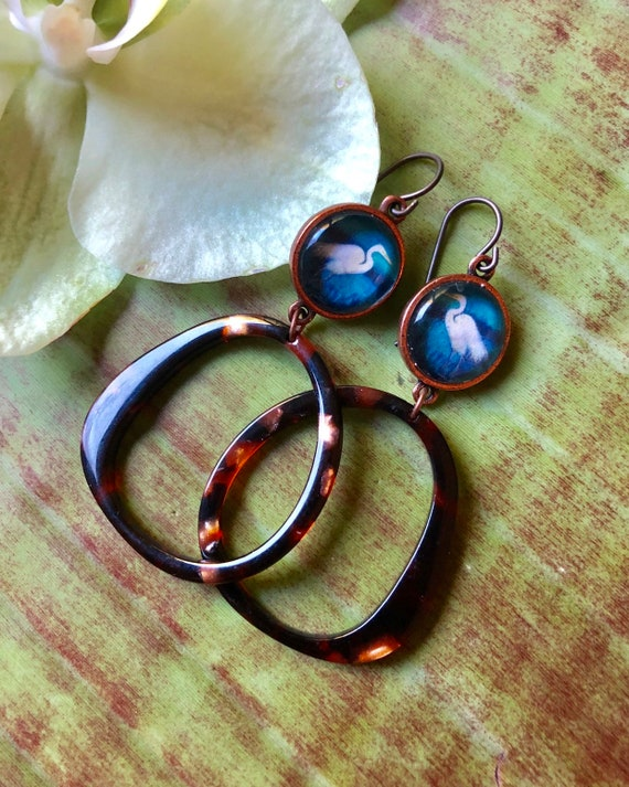 Earthy Resin Jewelry Hoops with Copper Egrets/Egret Nature Jewelry Gift/Boho Resin Earrings/Copper Egret Earrings/Egret Jewelry Gift