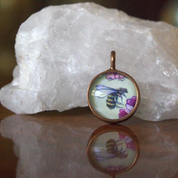 Bee Necklace~honey bee pendant necklace~honey bee jewelry gift~honey bee pendant jewelry gift~unique bee jewelry gift idea-bee jewelry