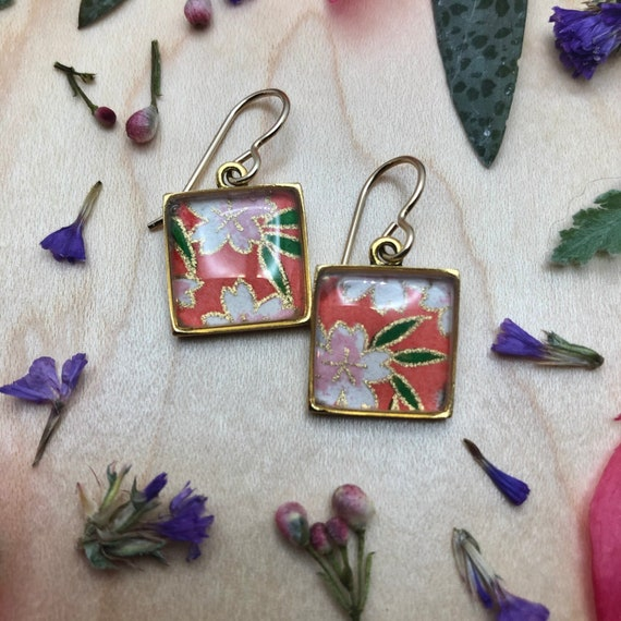 Gold Japanese Origami Paper and Resin Earrings|Red flower earrings/chiyogami flower earrings