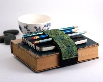 Adjustable Bandolier // Vertigreen // (a better pencil case, journal pen holder, book strap, pen loop, pencil roll, pen bandolier)