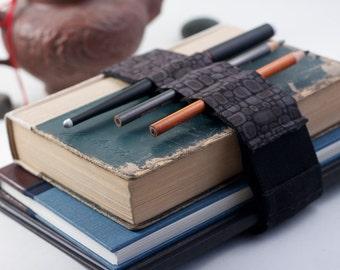 Adjustable Bandolier // grey pods // (a better pencil case, journal pen holder, book strap, pen loop, pencil roll, pen bandolier)