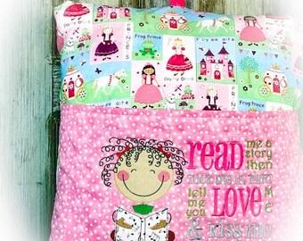 Read Embroidery Pillow  - Read  a book Pillow -  Kids Decor