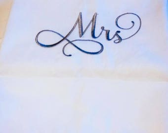 Pillow cases Embroidery -   Set of 300 ct  - Cotton Pillow cases - Mr and Mrs