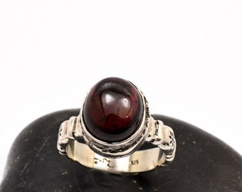 Garnet silver ring, sterling silver gemstone ring, Oval garnet Stone Ring, Solitaire ring size 7 January birthstone, garnet jewelry