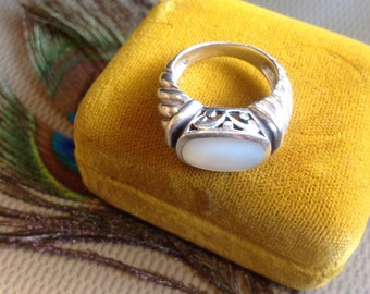 Art deco design vintage sterling silver 925 ring with pearl shell gemstone sz 7