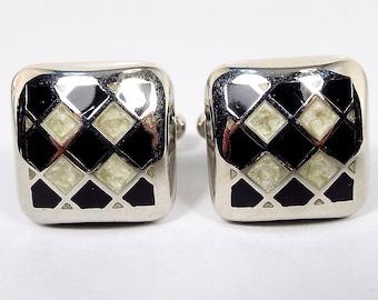 VINTAGE BEAUTIFUL Gold /& Pearly Beige Enamel Art Deco Open Work Stud Earrings..#8485