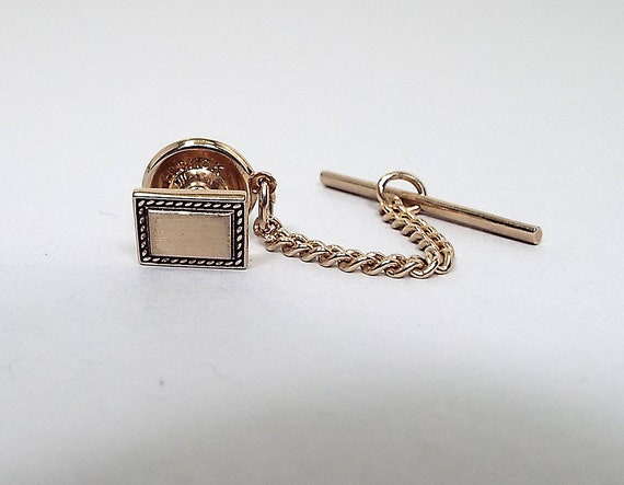Wedding Accessories Hickok USA Mid Century 1960s 60s Hipster Jewelry Silver Tone Textured Curved Vintage Tie Tack Mens Formal