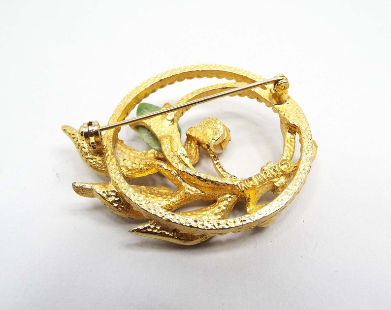 Sarah Coventry Vintage Jade Cultured Pearl Brooch Pin Gold Tone Mid Century 1960s