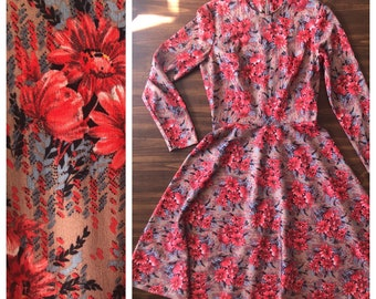 Vintage 60s Floral Dress Long-Sleeves / Beige with Coral, Blue Flowers S-M