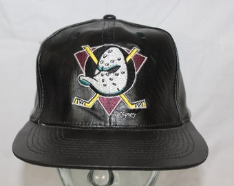 Size 7 1//4 Zephyr Adult Men DH Fitted Cap Cardinal