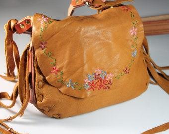 Elk hide shoulder bag with embroidered floral design, Crossbody Bag, Retro Hippie Bag, Fringed, Western Style