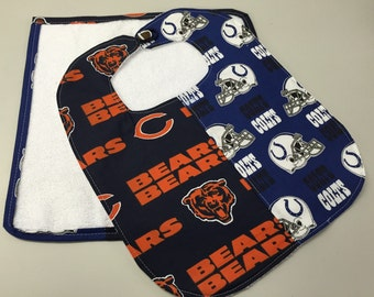 Football Divided Home 6 Months Up Baby Bib w/washcloth Set_Bears/Colts