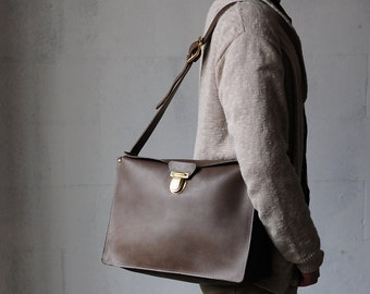 Artemis Leatherware Hand Stitched Leather RECTANGULAR BOX Shoulder Bag/ Laptop/ Camera Bag