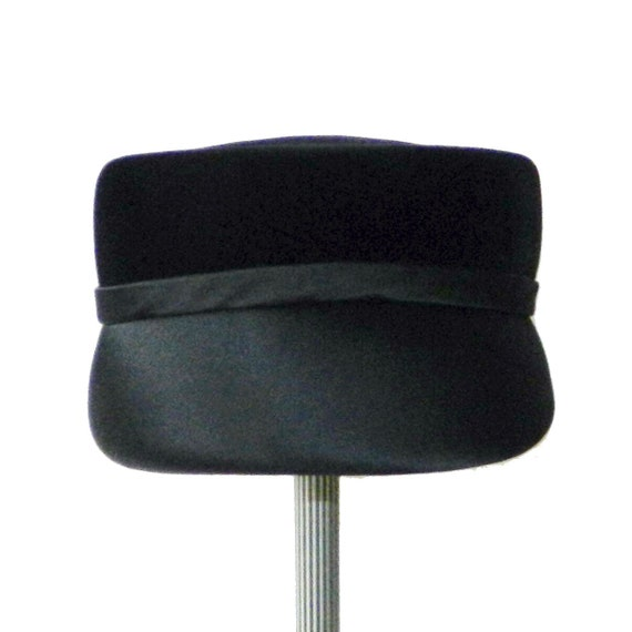 Vintage 1960's Black Velour Pill Box Hat