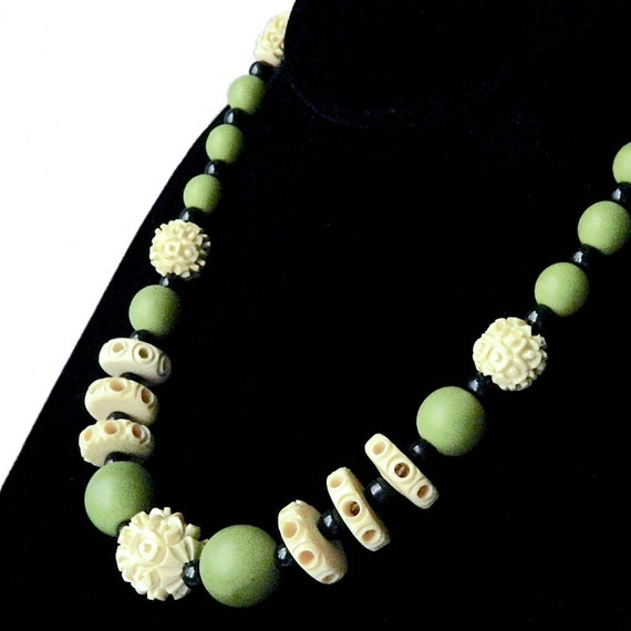 Vintage 1930's Celluloid Beaded Necklace