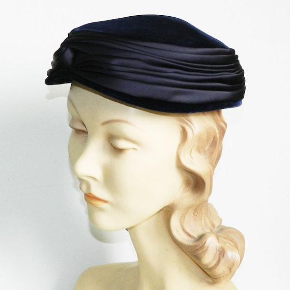 Vintage 1950s Blue Velvet Pill Box Hat - image 6
