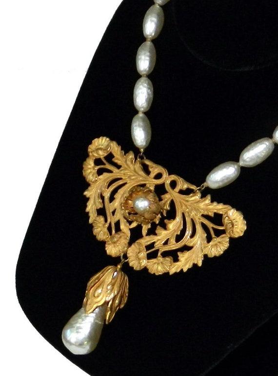 Vintage 1950s Miriam Haskell Baroque Pearl Pendant