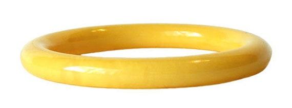 Vintage Butter Yellow Bakelite Bangle Bracelet - image 1