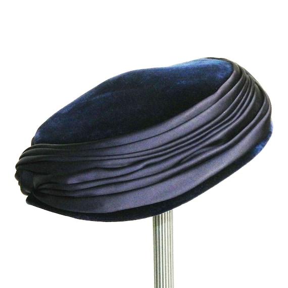 Vintage 1950s Blue Velvet Pill Box Hat - image 2